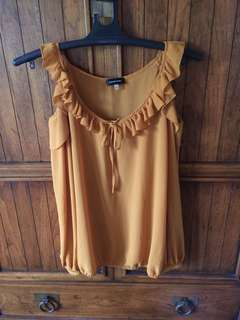 Pre loved Spense coldshoulder blouse