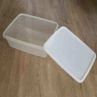 Tupperware Transparent white Box