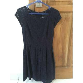 Forever21 Sleeveless Lace Dress