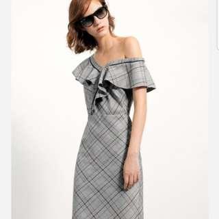 Saturdayclub One-shoulder dress w ruffles in checks
