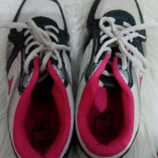 Sepatu power uk 39