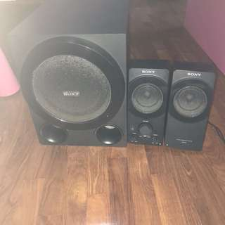 Sony Speaker set in good workinh condition selling cheap