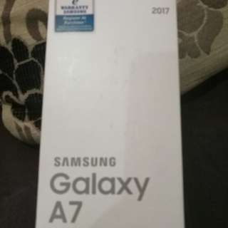 Samsung a7 2017 box n accessories only