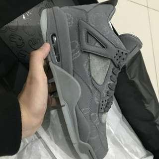 Nike Air Jordan x Kaws