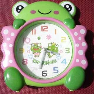 Jam waker, jam alarm kodok kerropi hijau
