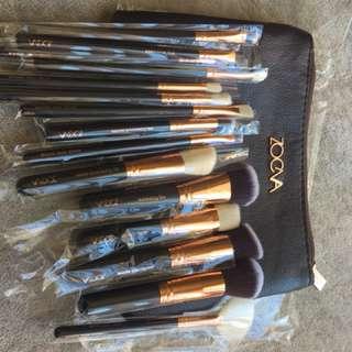Zoeva 15 pc makeup brush setn