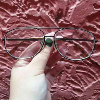 Specs / eyeglasses frame