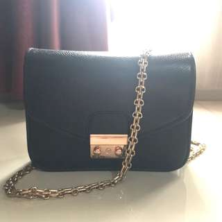 Black Mini Sling Bag (new price)