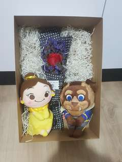 Beauty and the beast with rose set