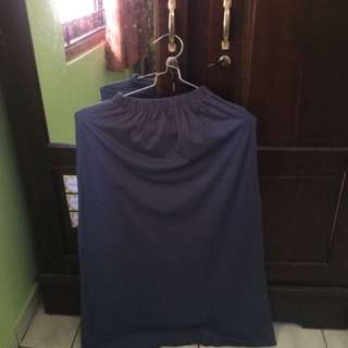 Rok model A warna abu tua