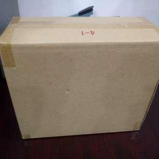 二手9成新雙層紙箱