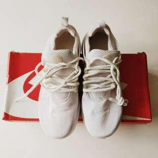 Nike Presto Women size 7Y