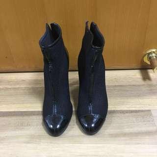 新年🈹️Authentic Chanel Ankle Boots size 37