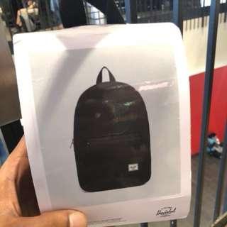 Herschel Packable Daypack (Black)