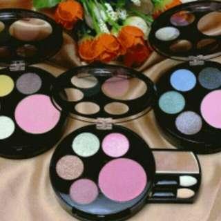 Eyeshadow and blush-on