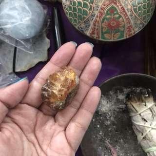 Natural stone / Crystal : Amber