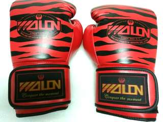 Boxing Gloves Wolon Tiger Red 10 oz