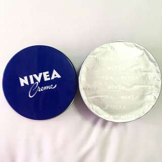 ✨ REPRICED ✨ Sealed NIVEA Creme 250ml