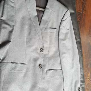 Like New Original Hugo Boss Suit made in italy