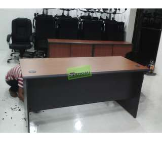 Free standing table - office furniture - partition