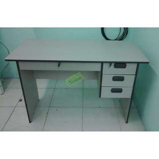 cnc 125 c free standing table - office furniture