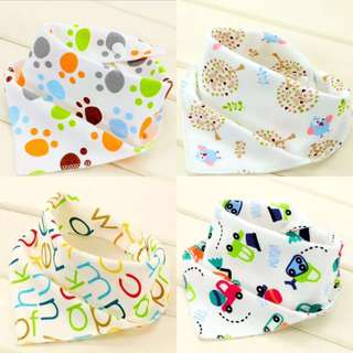 4pcs Triangle small Baby Bib