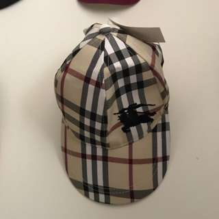Burberry hat (not real)