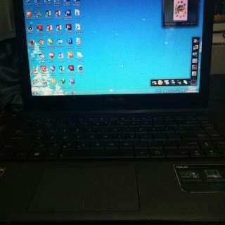 Laptop Asus X45u Normal