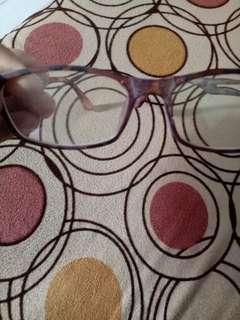 Kacamata wanita
