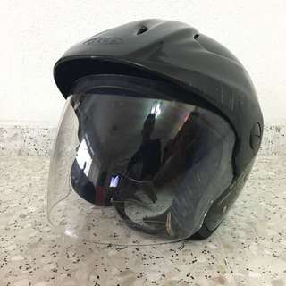 Zeus Motorcycle Helmet good for Lessons