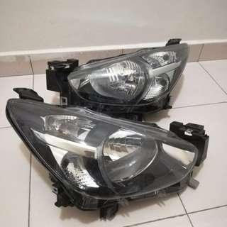 Mazda 2 headlamp