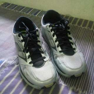 Running shoes sketchers GOrun