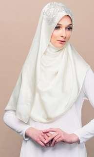 Tudung People Arraynaa Diamant Innocence Shawl in Off White
