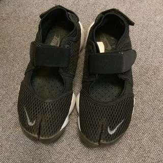 nike黑色忍者鞋 23號