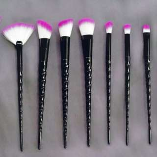 10 pc make up brush set
