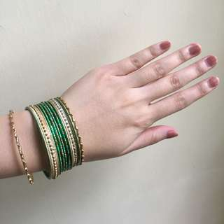 Gelang India hijau emas