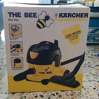 Karcher Vacuum Cleaner full set. Extra Vacumn bags. Industrial strength. Original receipt $218