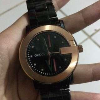 Jam tangan Merk Gucci