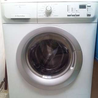 CHEAP PERFECT CONDITION WASHING MACHINE