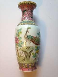 不知年代花瓶