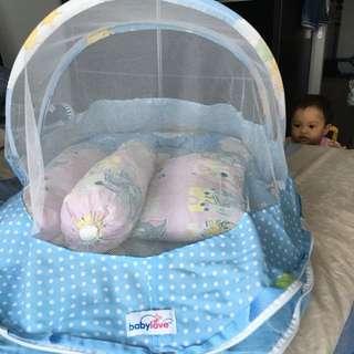 Tilam baby with kelambu