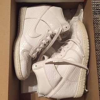 Nike Sky Hi Size 8 White