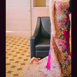 Wedding gown kwa modern fuschia