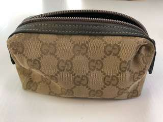 Gucci make up zipper