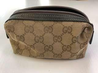 Gucci make up zipper