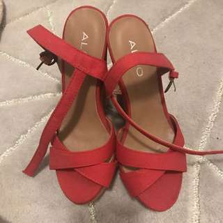 Aldo Wedges/Sandals. New. Size 37