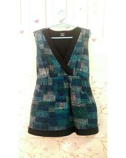 A2. MINI BLACK/GREEN DRESS