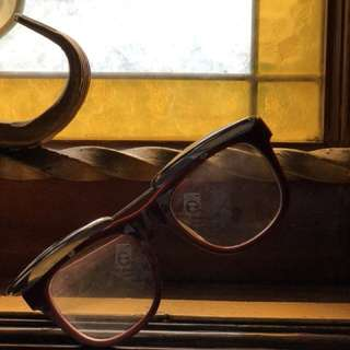 Kacamata Swag