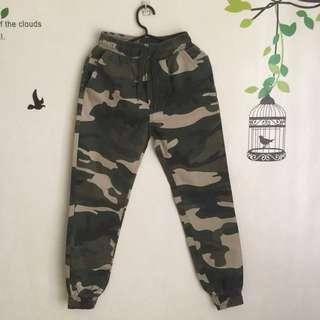 Camouflage Bottom