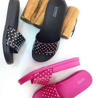 圓點造型平底套腳防水拖鞋